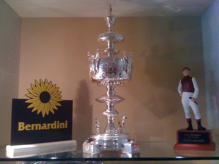 preakness stakes trophy. the 2006 Preakness Stakes.